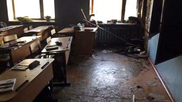 Oppilas ehti tehdä kirveellä pahaa jälkeä koulussaan.