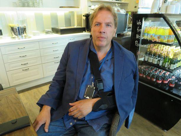 Jukka Salmi sai sairaalassa lääkkeeksi 96-prosenttista alkoholia.