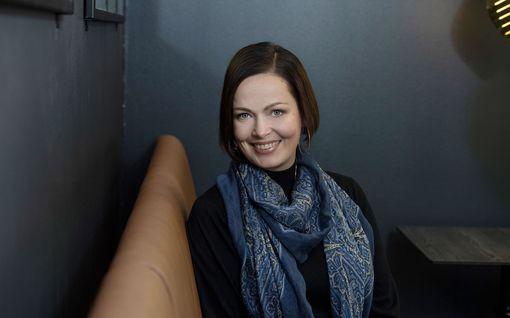 Heli Pirhonen valittiin 25 vuotta sitten Suomen kauneimmaksi – jäi nuorena leskeksi, uusi onni vuosien jälkeen
