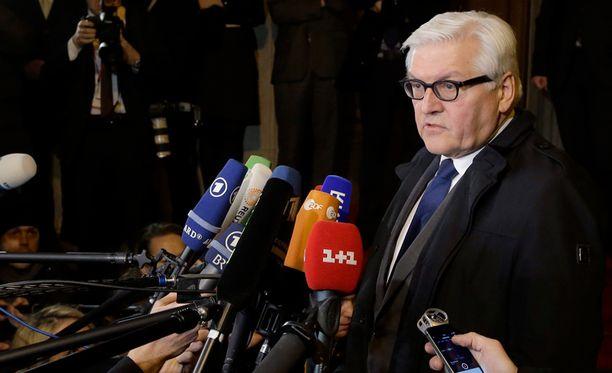 Saksan ulkoministeri Frank-Walter Steinmeierin mukaan neuvotteluissa sovittiin myös tulitaukolinjasta, jolta raskas aseistus on poistettava.