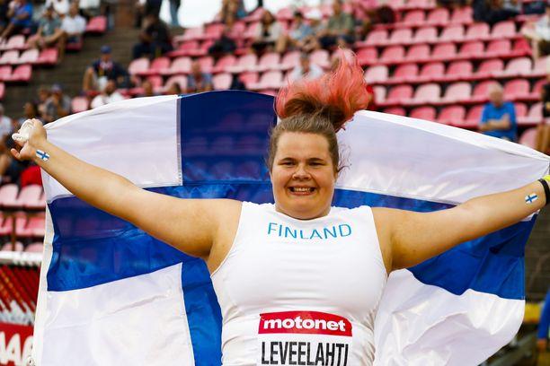 Helena Leveelahti pääsee Linnan juhliin MM-hopeansa siivittämänä.