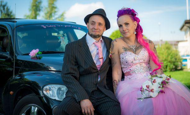 Unelmahäiden toisessa jaksossa nähty ulvilalainen pariskunta on saanut täystyrmäyksen sosiaalisessa mediassa.