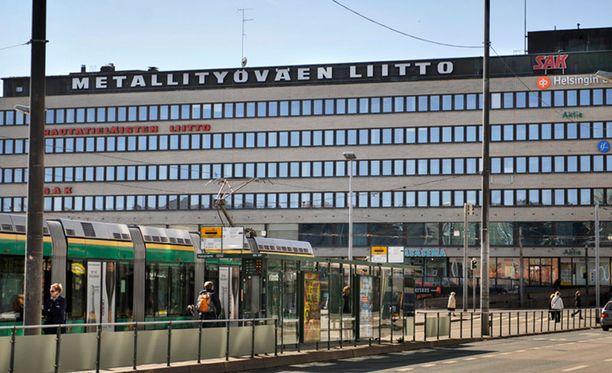 Kansanedustaja Lepomäen avustaja Mikko Laakso kutsui työmarkkinajärjestöjä terroristeiksi.