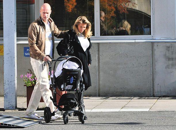 Karpelan ja Erjolan poika syntyi syyskuussa samassa sairaalassa, missä hän on nyt hoidettavana.