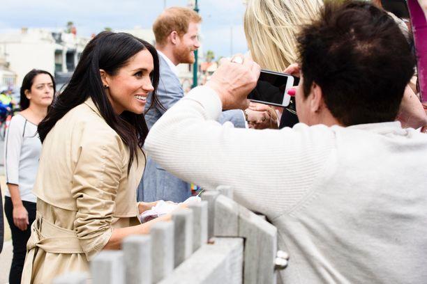 Meghan ja Harry haluaisivat ottaa hajurakoa julkisuuteen. Kuva ajalta ennen hovista irtaantumista.