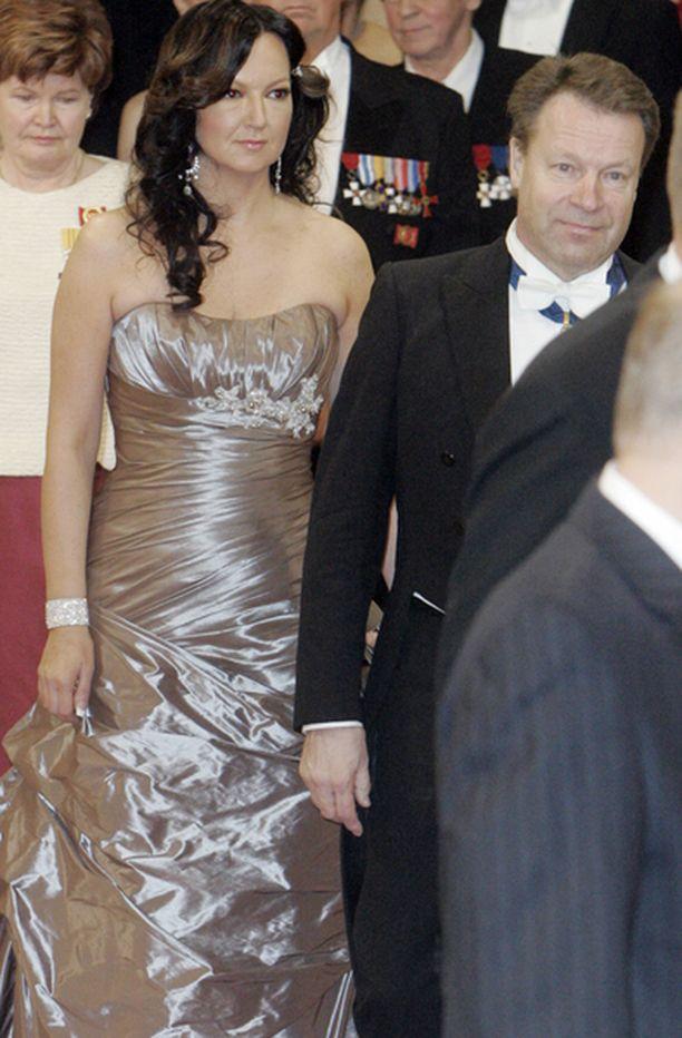 Elina Kiikon puvun helma oli runsas.