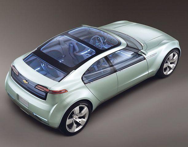 LASIA Voltin konseptiautossa on lasinen katto ja urheilullinen muoto.