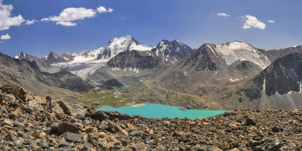 Tien-Shanin vuoristomaisemia Kirgisiassa.