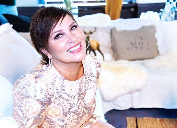 Arja Korisevalla on takanaan 24 vuoden avioliitto.