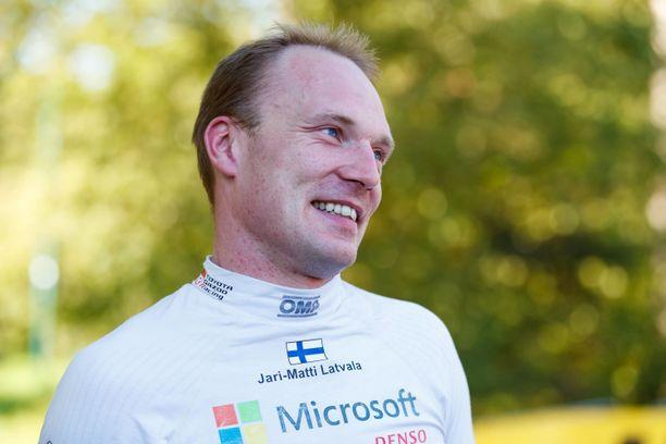 Jari-Matti Latvalan mielestä suurin suosikki on Thierry Neuville.
