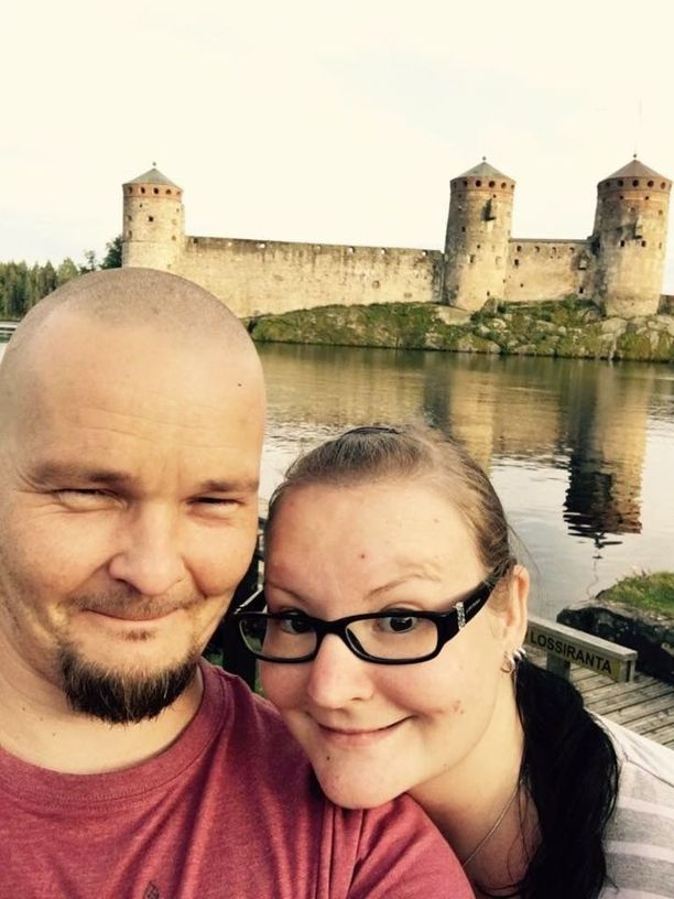 Jonna ja Antti tapasivat toisensa kolmen päivän kuluttua ensikontaktista. Se oli sitten menoa.