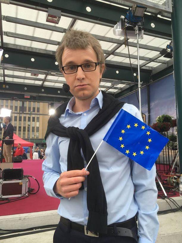 Joonas Nordman imitoi ohjelmassaan myös pääministeri Juha Sipilää. Kuva on ohjelman lanseeraustapahtumasta Suomi-areenasta viime heinäkuulta.