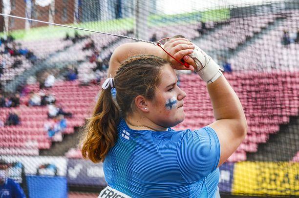 Silja Kosonen kisaa Keniassa alle 20-vuotiaiden kisoissa.