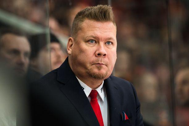 Jarno Pikkarainen joutui viikoksi sairaalaan.