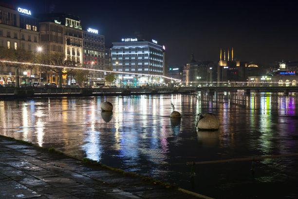Nuorta suomalaista miestä epäillään 26-vuotiaan naislääkärin murhasta Genevessä. Kuvituskuva.