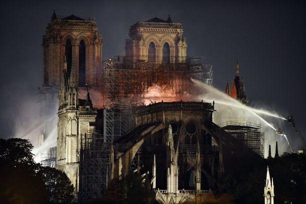 Notre Damen katedraali paloi pahasti huhtikuussa.