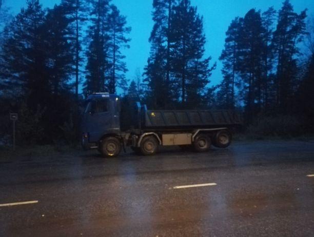 Onnettomuudessa osallisena ollut kuorma-auto.
