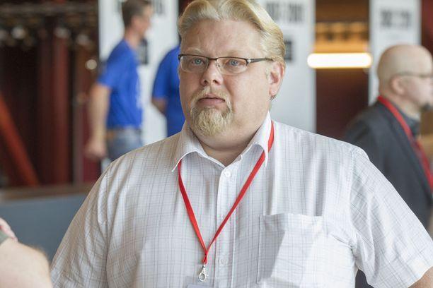 Kansanedustaja Jari Ronkainen ei sulata entisen puheenjohtajan Timo Soinin viimeaikaisia lausuntoja.