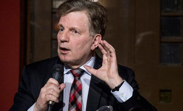 Esko Aho toimi Suomen pääministerinä 1991-1995.
