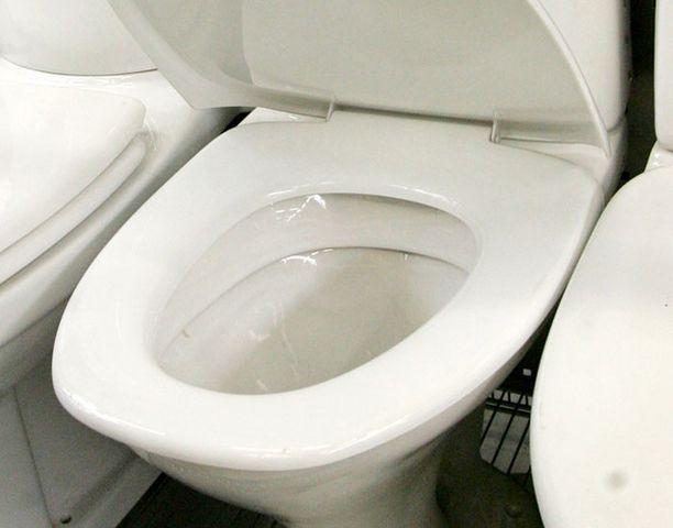 Rikkinäinen vessanpönttö saattaa kuluttaa huomaamatta sievoisen summan.