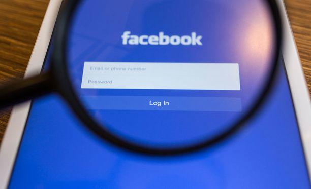 Facebook perui lapsipornon kitkemiseen liittyvän haastattelun. Sen sijaan se ilmoitti BBC:stä poliisille.