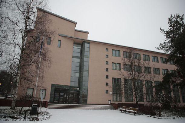 Mies vangittiin lauantaina Tuusulan käräjäoikeudessa.