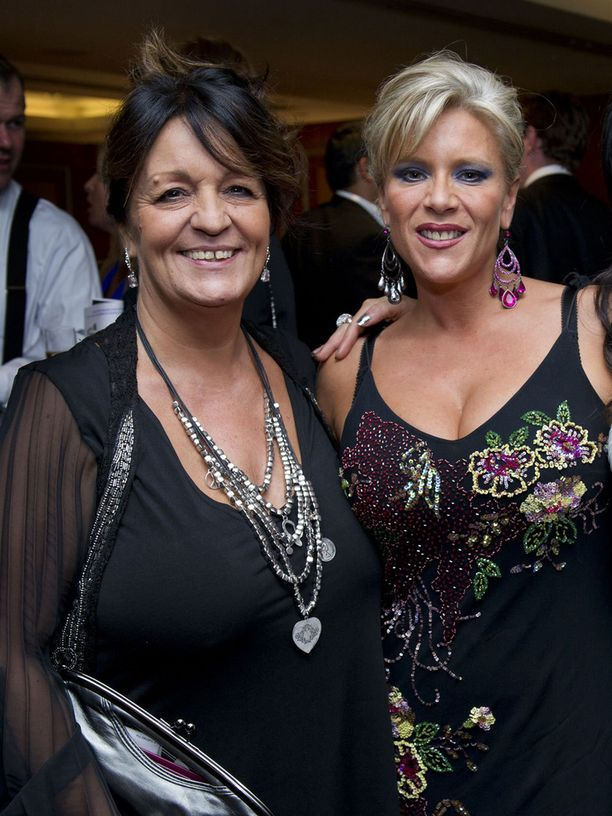 Myra Stratton ja Samantha Fox