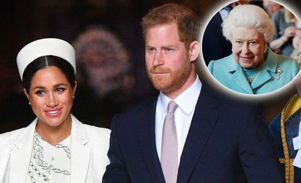 Sussexin herttuapari vääntää nyt kuningattaren kanssa lapsen kasvatuksesta.