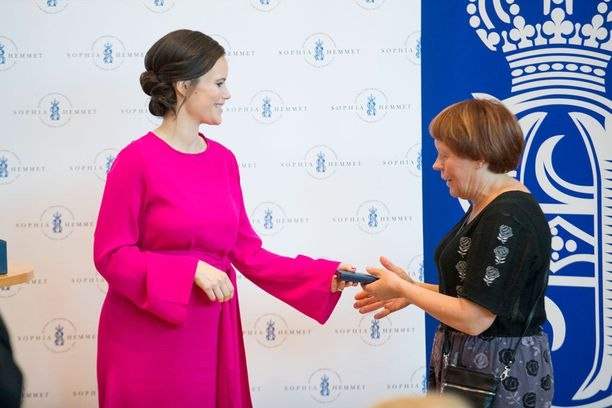 Sofia sai kunnian jakaa mitaleita ansioituneille henkilöille.