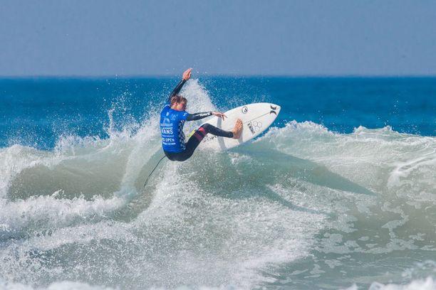 Zander Venezia kisasi Vans US Open of Surfing -kilpailussa heinäkuussa 2017 Kalifornian Huntington Beachilla.