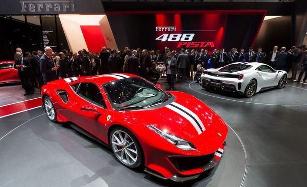Uusi Ferrari 488 Pista esiteltiin alkuviikosta Geneven autonäyttelyssä.
