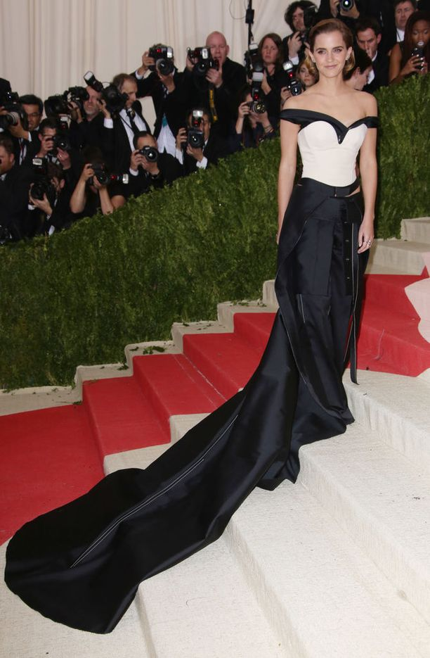 Emma Watson, asu Calvin Klein Collection