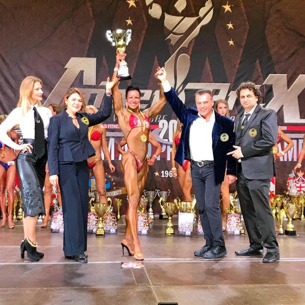Skyttä tuuletti voittoa Liettuassa. Keväällä hänellä on suunnitelmissa kisata muun muassa IFBB-liiton Arnold Classicissa Australiassa.
