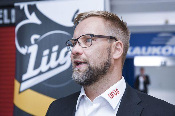 Päävalmentaja Mikko Manner vaalii Kärppien urheilullisia arvoja.