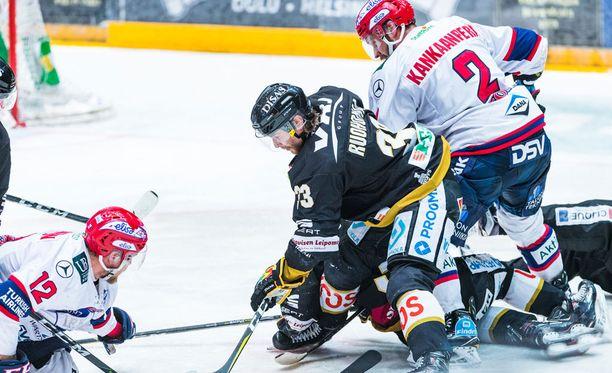 Kärppien ja HIFK:n välieräsarja on katkolla huomenna.
