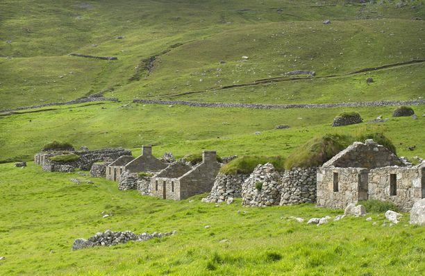 St Kildan kylä tyhjeni asukkaista 1930-luvulla. Vain rauniot ovat jäljellä.