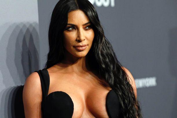 Kim Kardashian kertoi kesällä miehensä mielenterveysongelmista. Kanye Westillä on kaksisuuntainen mielialahäiriö.