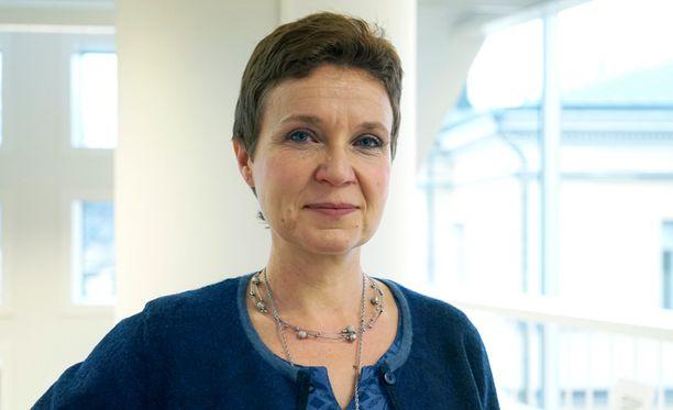 Suomen Penin puheenjohtaja kirjailija Sirpa Kähkönen katsoo, että vanhentunut jumalanpilkka ei kuulu nykyiseen lakikäsitykseen.