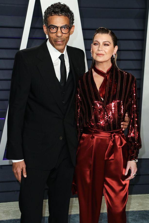 Näin elegantilta pariskunta näytti Vanity Fairin Oscar-juhlissa.