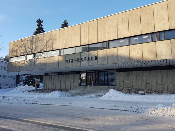 Itä-Suomen hovioikeus käsitteli juttua suljetuin ovin, mutta antoi julkisen selosteen. Kuvassa on hovioikeuden rakennus Kuopiossa.