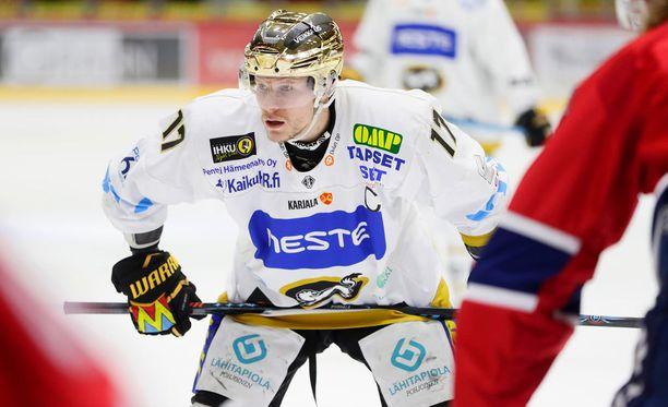 Mika Pyörälä on Kärppien valovoimainen pistekunkku.