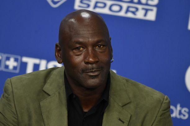 Michael Jordan antoi tukensa mielenosoittajille.