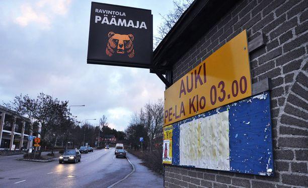 Vantaalainen nainen oli ennen surmaa viettänyt iltaa Hyrylässä sijaitsevassa Ravintola Päämajassa.