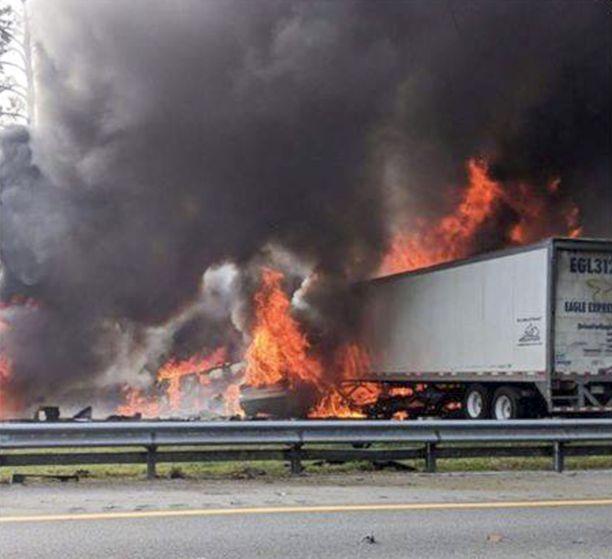 Floridassa tapahtui torstaina seitsemän ihmisen hengen vaatinut onnettomuus.