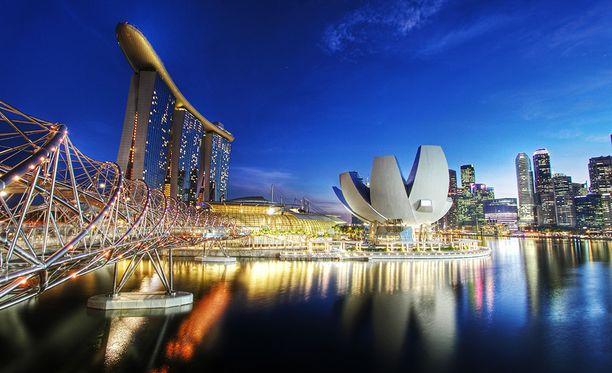 """Singaporelaiset omistavat maailman """"vahvimman"""" passin."""