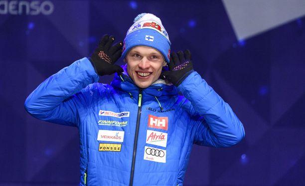 Suomen hiihtomaajoukkueessa vaikuttaa olevan hurttia huumoria.