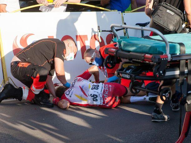Fabio Jakobsen kiilattiin törkeällä tavalla aitaa päin Puolan ympäriajossa.