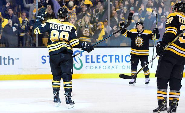 David Pastrnak oli Boston Bruinsin tehomies tehtyään toisessa Toronto-kohtaamisessa 3+3 tehopistettä.