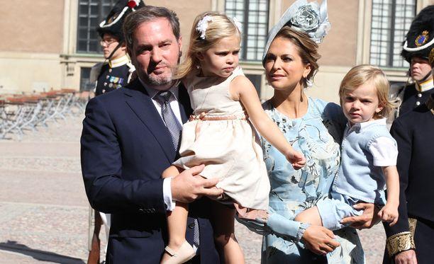 Madeleinen ja Chrisin tytär Leonore on 3-vuotias ja poika Nicolas 2-vuotias.