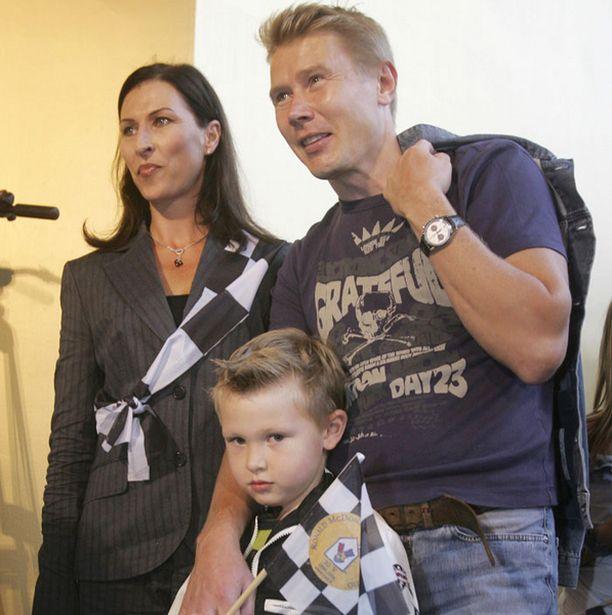 Mika Häkkisen mukaan hänen Hugo-poikansa rakastaa autoja.